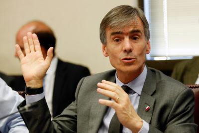 Ministro Valente destaca aumento de la inversión de 5,5% proyectado por el IPoM