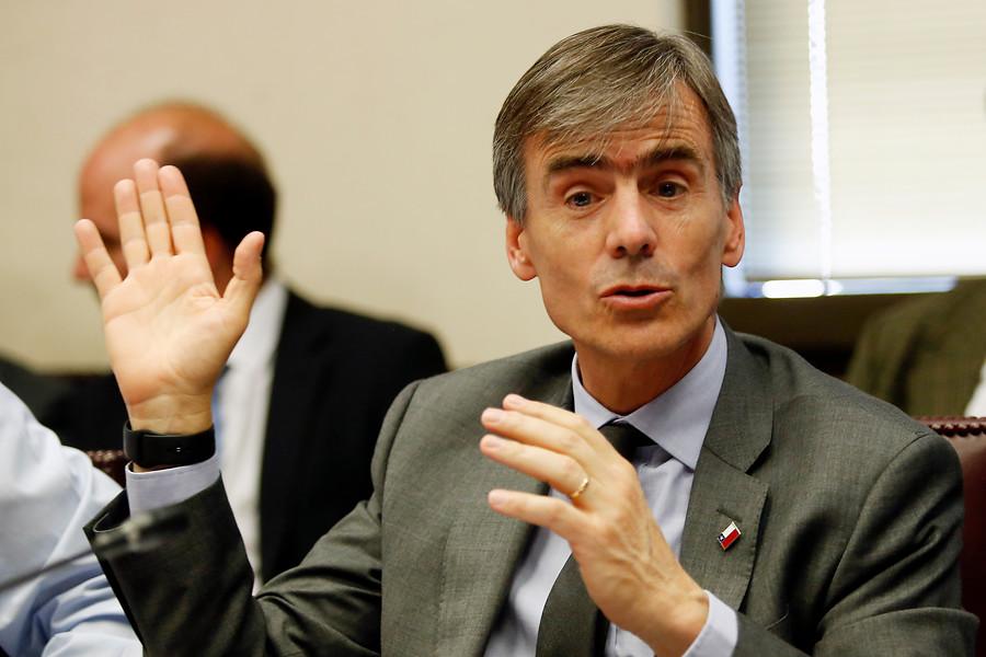 """""""Ministro Valente destaca aumento de la inversión de 5,5% proyectado por el IPoM"""""""