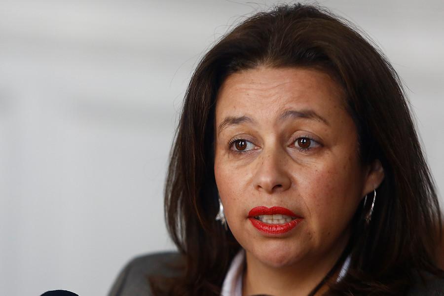 """Senadora Órdenes: """"Migración debe abordarse desde el marco de los DD.HH."""""""