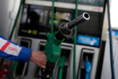 Ojo: mañana bajan precios de todos los combustibles