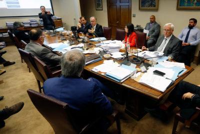Senado debate sobre Ley de Isapres y anunció eliminar tabla de riesgo