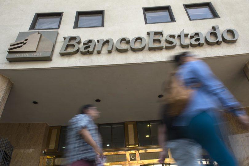 BancoEstado perdería más de $8.500 millones si eliminara cobro de CuentaRut a adultos mayores
