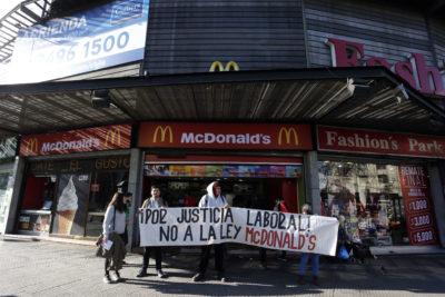 Ley McDonald: Confech exige a senadores poner fin a proyecto de Estatuto Laboral Joven