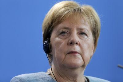 Hackers difunden datos de políticos alemanes y la correspondencia de Angela Merkel