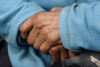 Proponen ley para demandar a familias que abandonen a adultos mayores