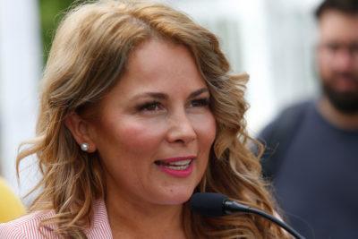 """Alcaldesa Cathy Barriga defendió que beca se llame Cathy Barriga: """"Fue una votación y ganó mi nombre"""""""