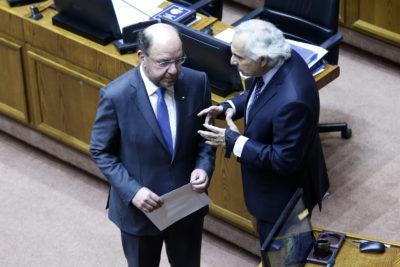 """Chadwick sale al rescate de Moreno: """"No recuerdo un ministro con mayor dedicación y entrega a La Araucanía"""""""