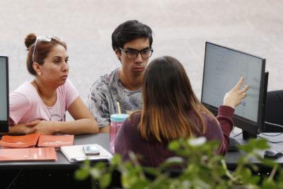 Renovación: cerca de 24 mil estudiantes podrían perder sus becas Junaeb este viernes