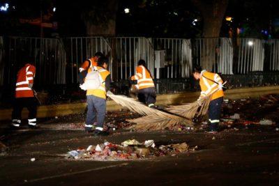 Más de 35 toneladas de basura dejó celebración de Año Nuevo en la Alameda