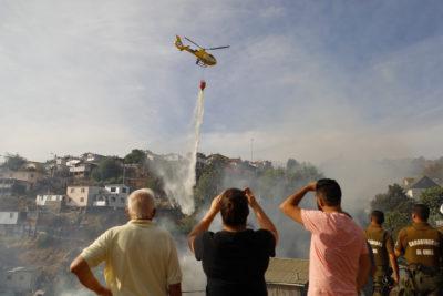 Conaf informa 41 incendios forestales activos en la zona centro sur