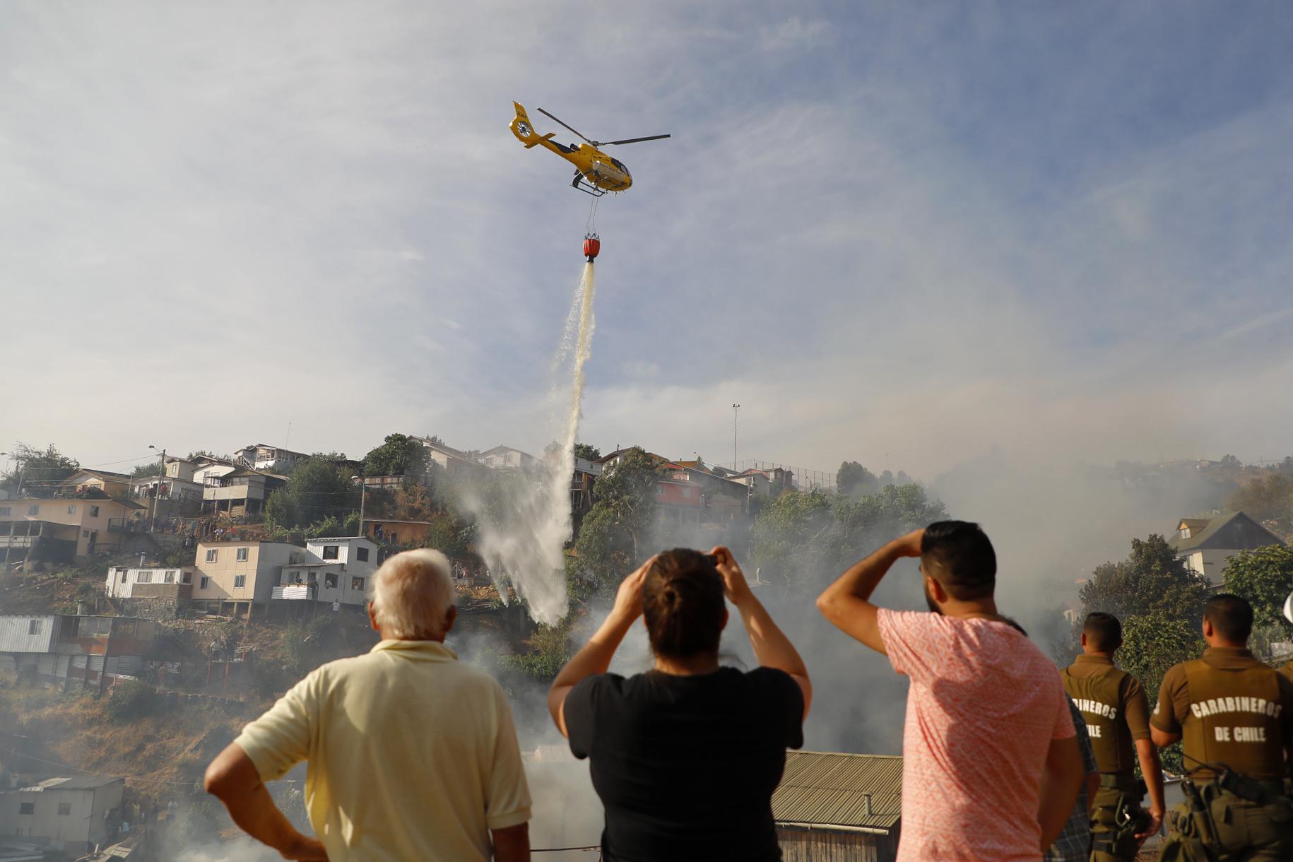 DC pide más recursos e hidroaviones para combatir múltiples focos de incendios en La Araucanía