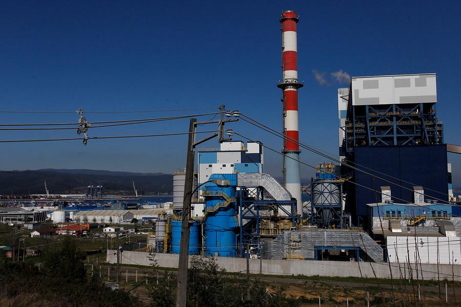 Enel y Bocamina condenados por daño ambiental en Lota y Coronel