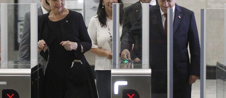 Genial respuesta de ministra Hutt a troll de Pamela Jiles tras comentario sobre su look en la inauguración del Metro