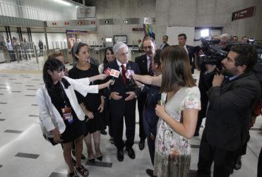 VIDEO |Graban la cara del presidente de Metro justo cuando Sebastián Piñera comprometió la nueva Línea 10