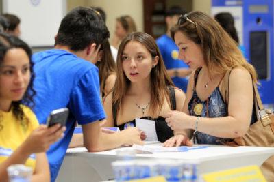 Aumenta el porcentaje de mujeres en la educación superior: expertos descifran las razones detrás de este fenómeno