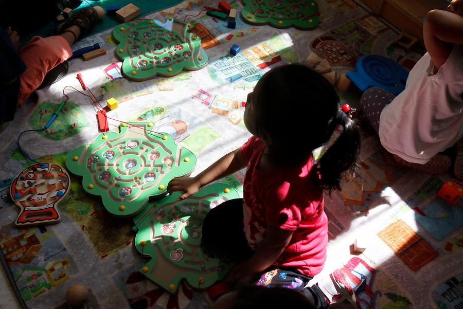 """""""¿Jardines infantiles que priorizan niños migrantes? La deuda histórica en cobertura"""""""