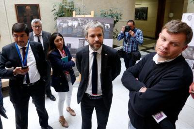 """Ministro Blumel descarta """"absolutamente"""" un cambio de gabinete"""