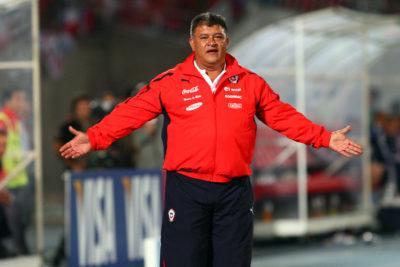 """Claudio Borghi: """"Llegan muchos jugadores que tapan a los jóvenes"""""""
