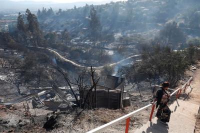 VIDEO | Jóvenes se grabaron provocando incendio en Curauma para subirlo a Facebook