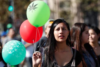 Juez de la Corte Suprema apoya el uso medicinal de la marihuana
