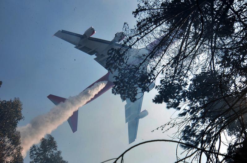 Avión ruso con estanque de 13 mil litros llegará a combatir incendios forestales