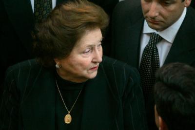 Lucía Hiriart y exalbacea de Pinochet se disputan US$1,3 millones del caso Riggs
