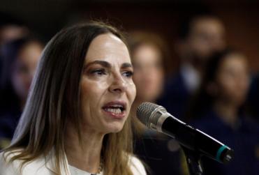 """Ministra Plá respalda rebautizar estación Hospitales: """"Estamos en deuda con Eloísa Díaz"""""""