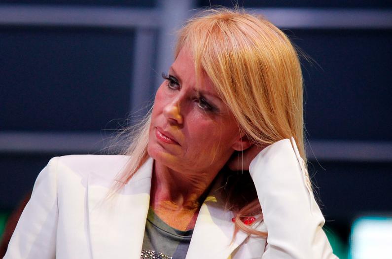 """Cecilia Bolocco se refiere a relación de su hijo Máximo Menem con su padre ante """"tanta infamia"""""""
