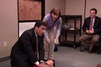 VIDEO   Mecánico salvó la vida a mujer gracias a capítulo de The Office
