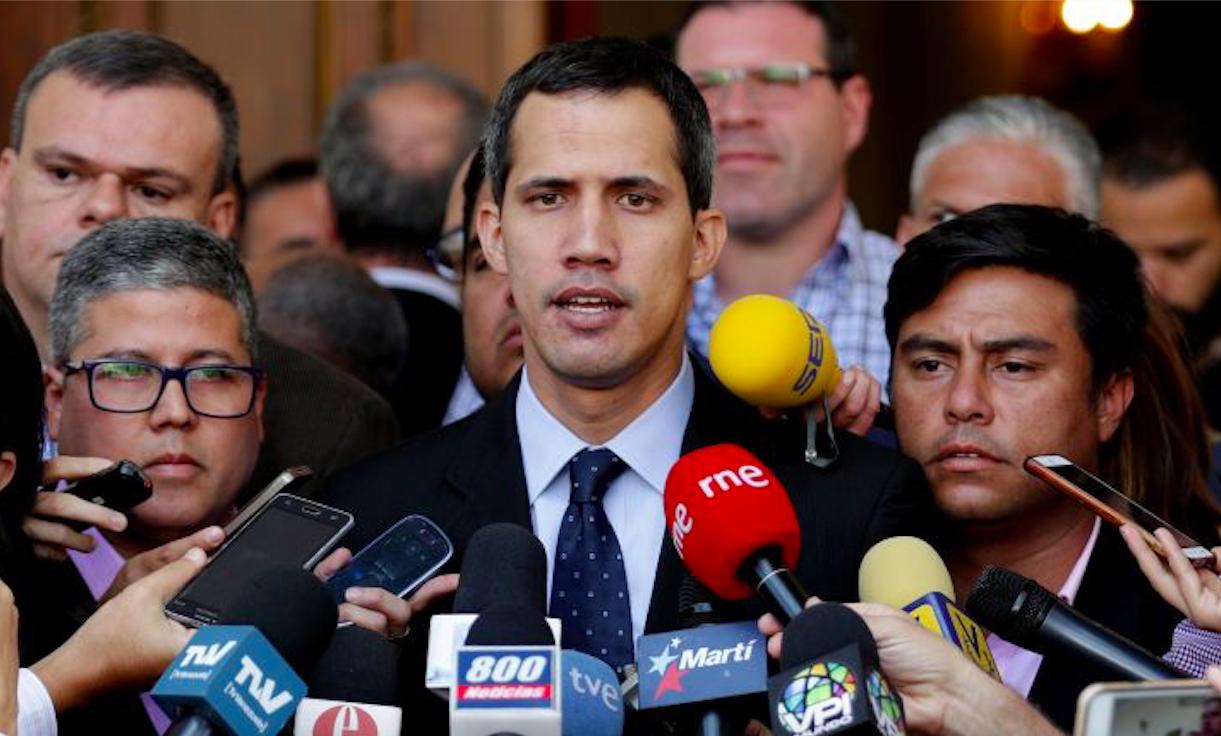 """""""Manifestaciones en Venezuela: Guaidó llama a que FF.AA. dejen ingresar ayuda humanitaria"""""""