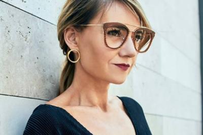 """María José Bari, la diseñadora de los lentes de Cecilia Pérez y Cathy Barriga: """"Me encantaría que la Camila Vallejo fuera mi clienta"""""""