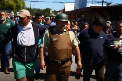 """Pescadores retuvieron a carabinero e intentaron """"intercambiarlo"""" por dirigente detenido"""