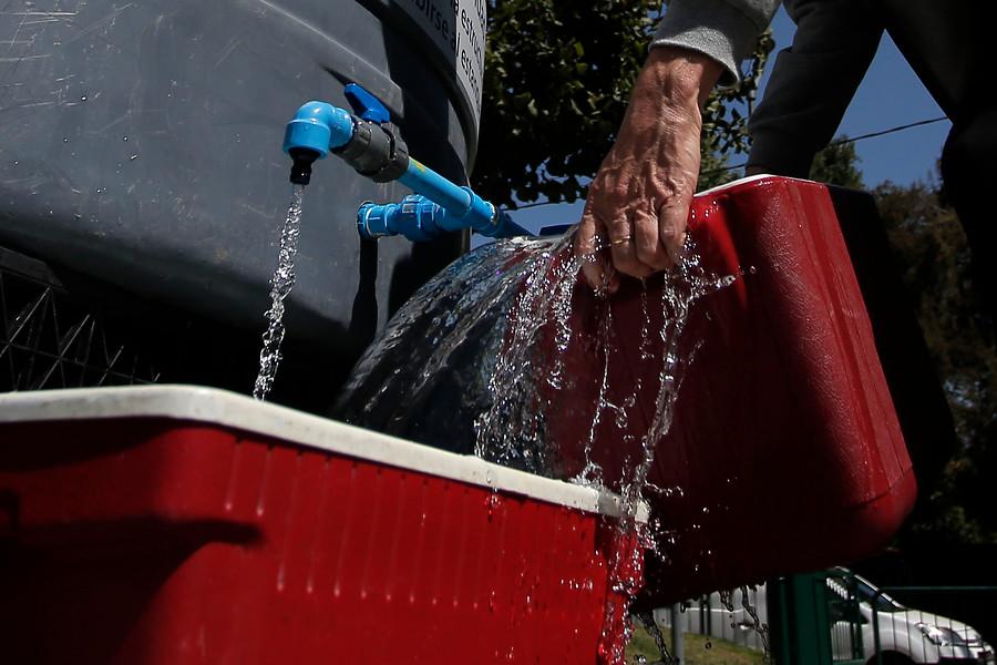 """""""Gobierno aclara: empresas sin agua para sus trabajadores no pueden funcionar"""""""