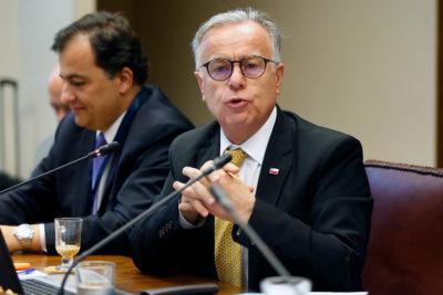 Ministro de Salud no se presentó a Comisión donde se discutiría nueva campaña de VIH