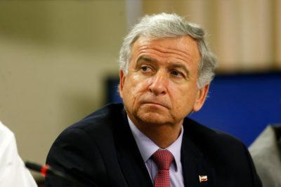 Ministro Larraín destaca que IPC negativo hará caer las deudas en UF
