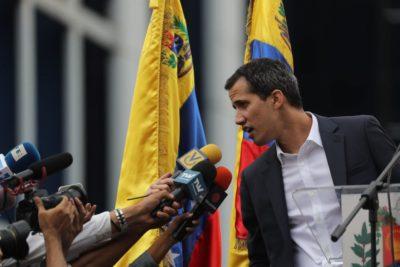 Guaidó pone en jaque a Maduro y asegura ingreso de ayuda humanitaria