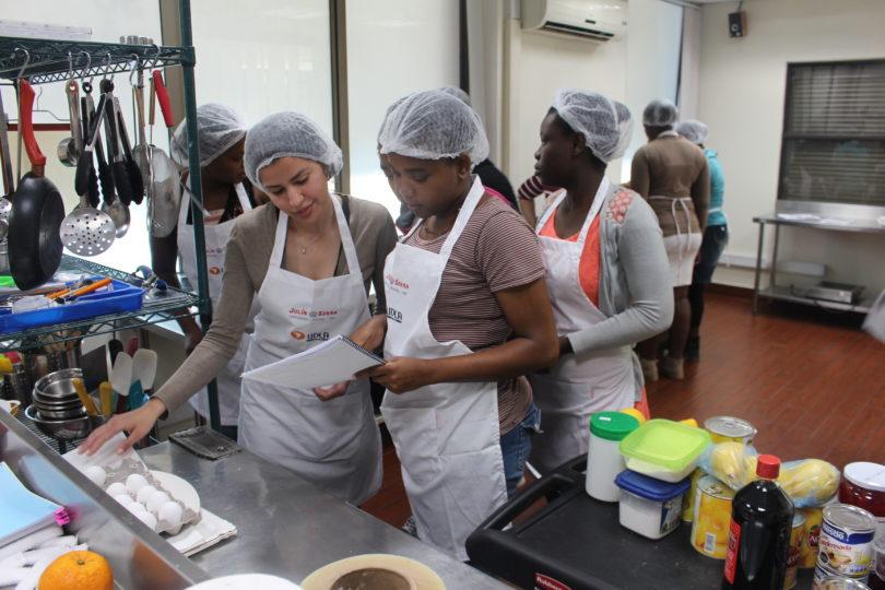 Escuela de Gastronomía para Migrantes: inserción laboral de la mano de la Municipalidad de Lampa y U. de Las Américas