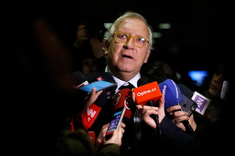 """Jorge Burgos por situación de subsecretario Castillo: """"Sería mejor que no siguiera en el cargo"""""""