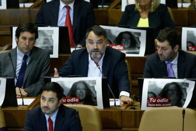 """""""Adivinen quién se opuso…"""": Macaya apunta a diputados que no apoyaron rechazo de la Cámara a Francia por Palma Salamanca"""