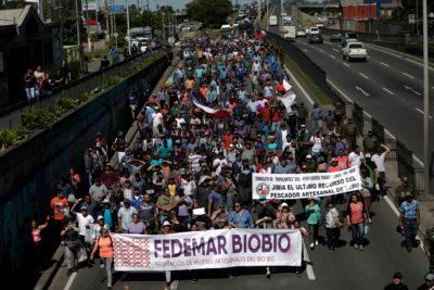 Pescadores artesanales del Biobío protestaron por veto a la ley de jibia