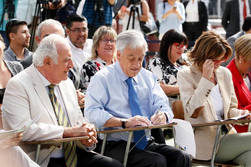 """Piñera firmó proyecto que restablece el mérito en sistema de selección escolar: """"Apuntan a dar más libertad a los padres"""""""