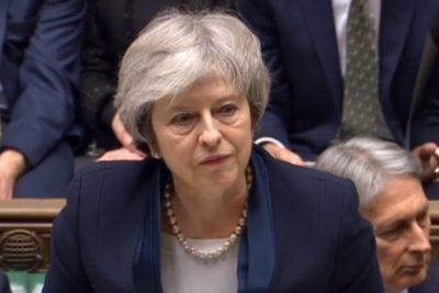 """Aplastante derrota de Theresa May en el Parlamento por acuerdo del """"brexit"""""""