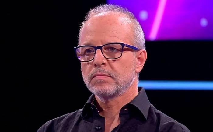 """""""En un universo paralelo"""": el trolleo de Alberto Plaza a Camila Vallejo por performance de Carmen Hertz en TV"""