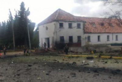 Nueve muertos deja carro bomba en escuela de Policía en Bogotá
