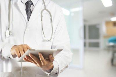 Gobierno rebaja remuneraciones por reemplazos a profesionales de la salud pública