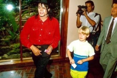Macaulay Culkin habla de su su extraña relación con Michael Jackson a 10 años de su muerte