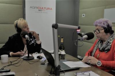 """Carolina Arregui dijo """"no merece"""" su alto sueldo en TVN y dupla Argandoña – Maldonado responden con todo"""