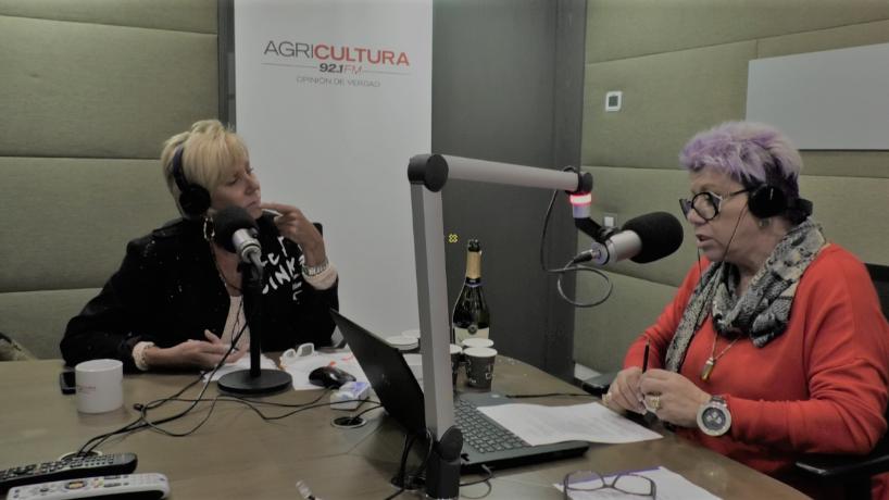 """""""Carolina Arregui dijo """"no merece"""" su alto sueldo en TVN y dupla Argandoña"""