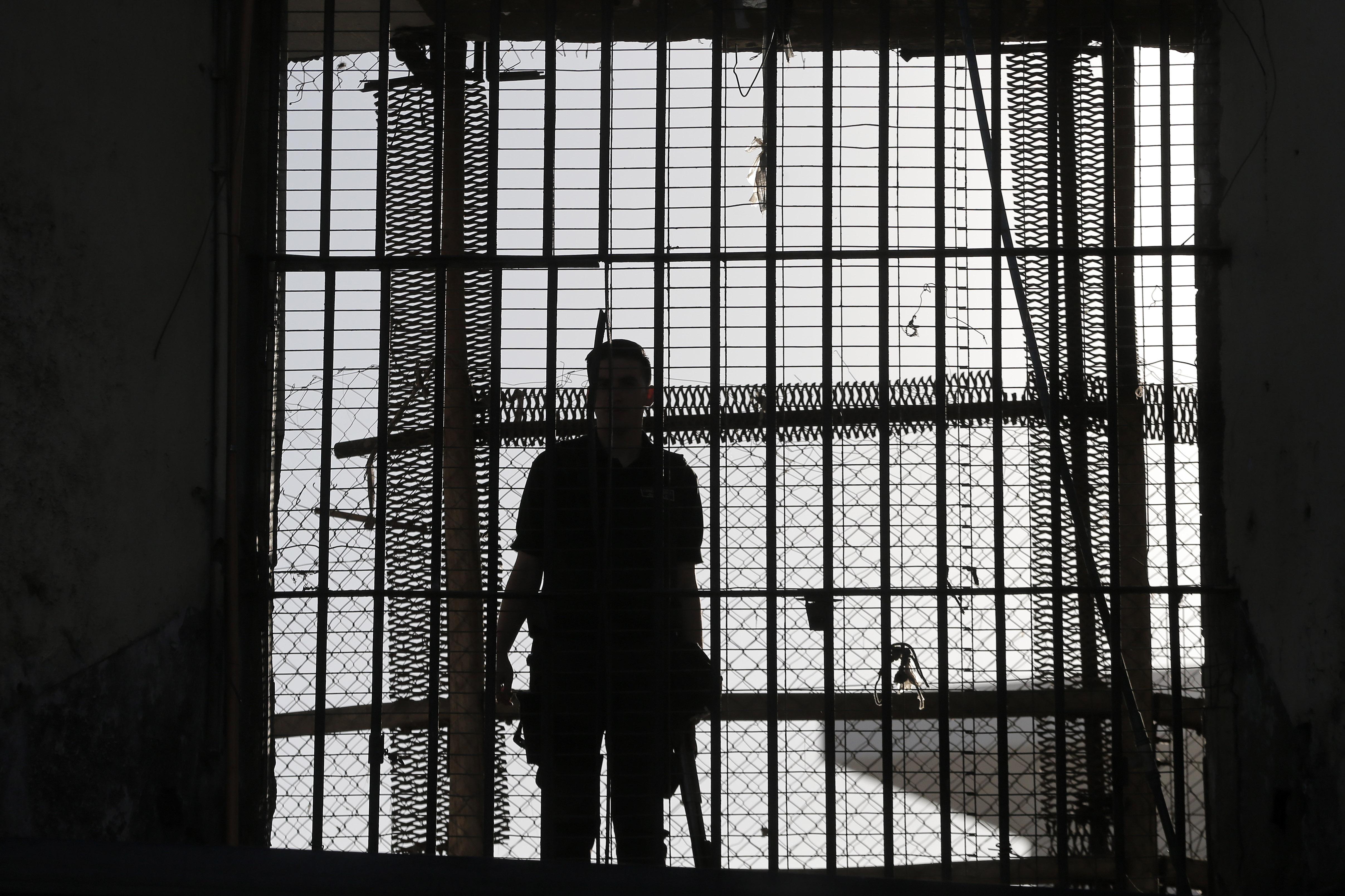 """""""La mayoría en la RM: 80 abogados han sido denunciados por ingresar drogas a las cárceles desde 2015"""""""