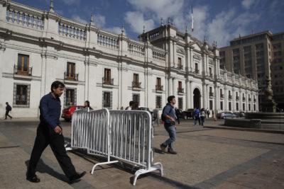 """Empresa que remodelará La Moneda por """"trato directo"""" está ligada a hermano de subsecretario"""